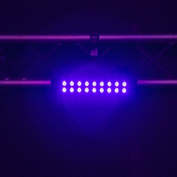 UV LED 18X3 BOOMTONE DJ